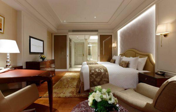 ホテルで標準的な客室