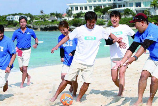 ビーチサッカーでチームビルディング