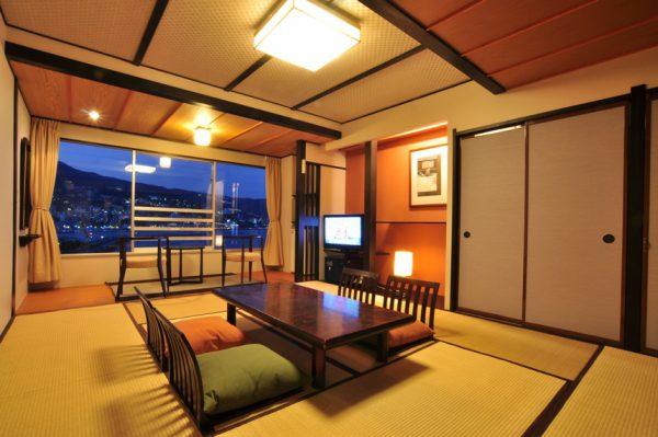 客室例(写真提供:ホテルニューアカオ)
