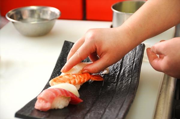 社内イベント_寿司作り体験