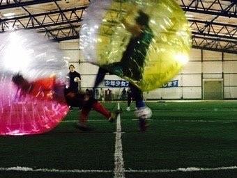 バブルサッカーで意外な素顔がのぞける