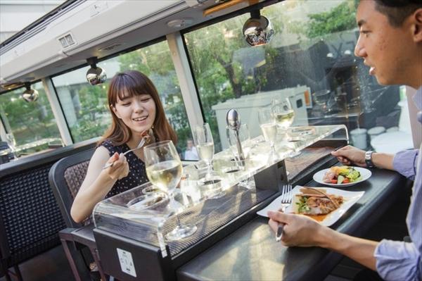 社員旅行_社内イベント_東京_レストランバス