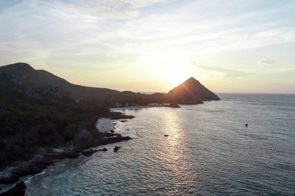 屋那覇島は究極のサバイバル体験可能な無人島