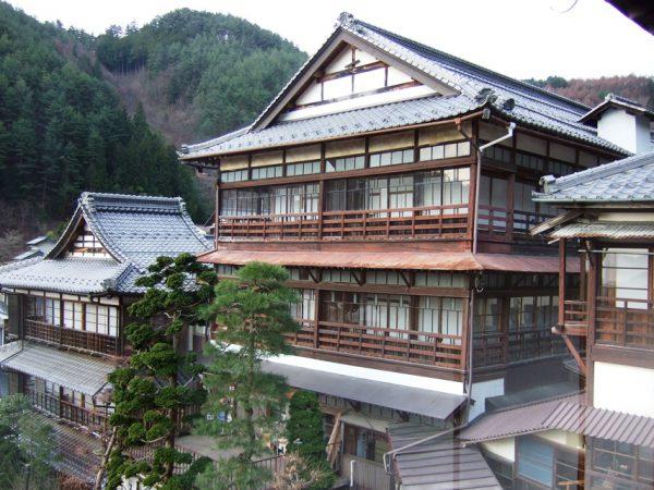 ますや旅館は田沢温泉