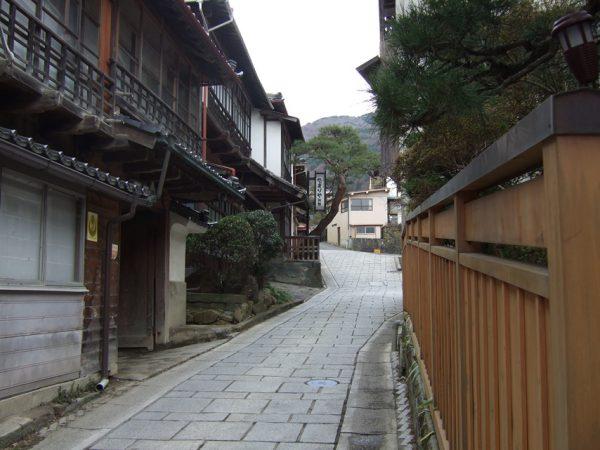 田沢温泉の街並み