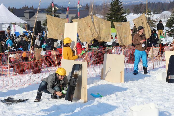 遊びの延長で楽しむ社員研修に雪合戦!