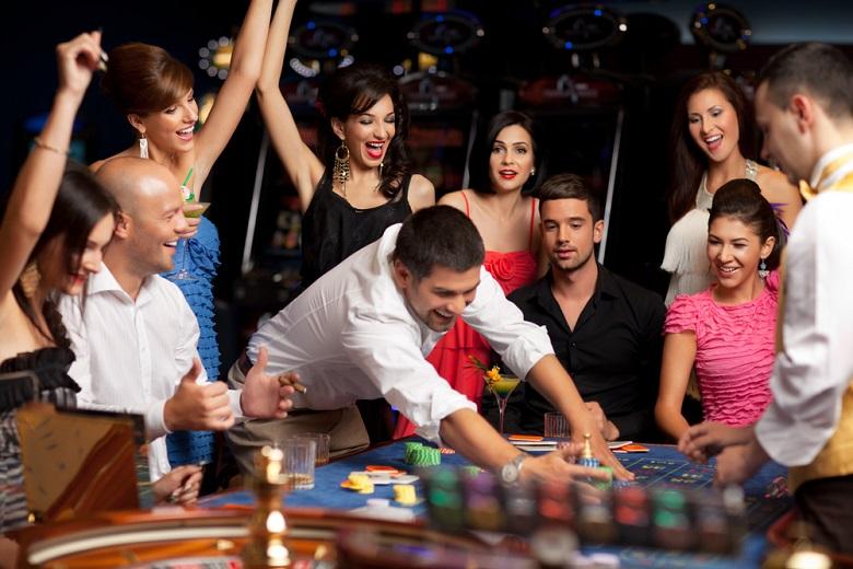 カジノのルールを本番さながらに学べる