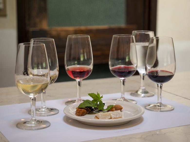 おいしいワインと料理