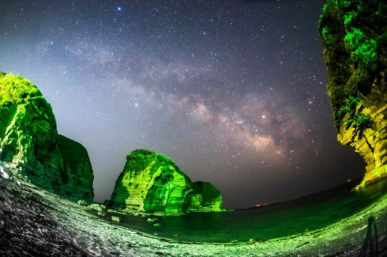 鵜原海岸の夜景