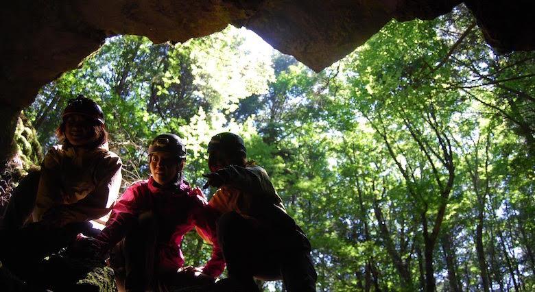 洞窟アクティビティ