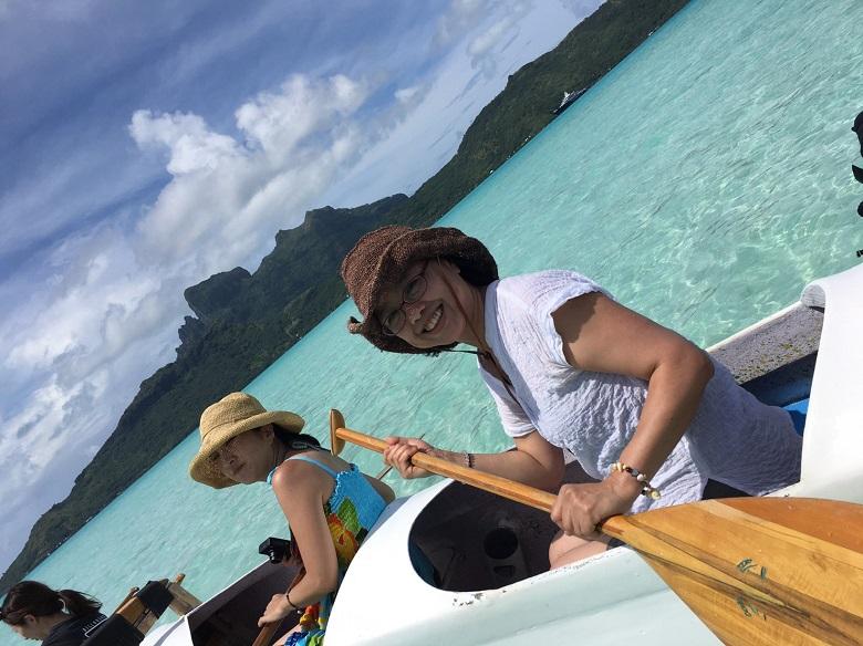 カヌー体験を楽しむ