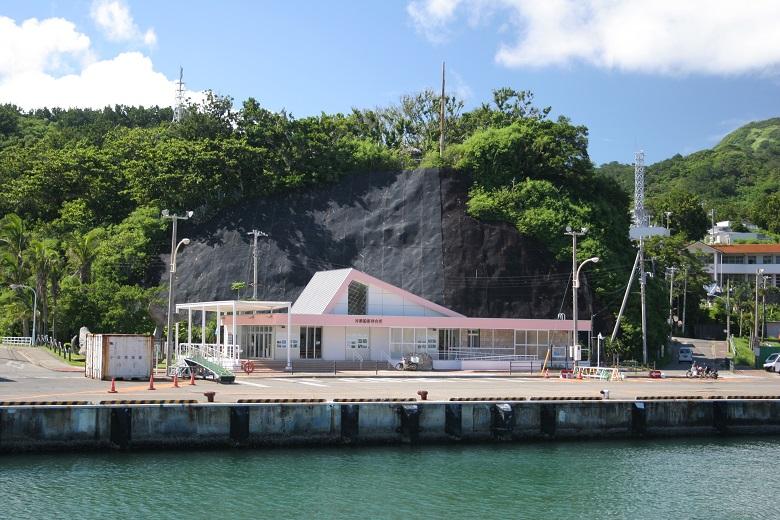 小笠原諸島までは船で24時間